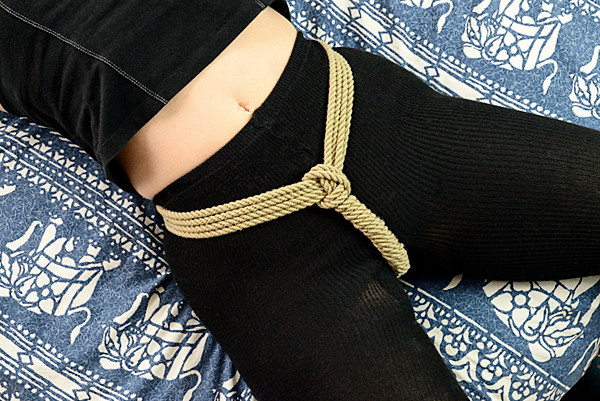 synthetic hemp for a crotch rope